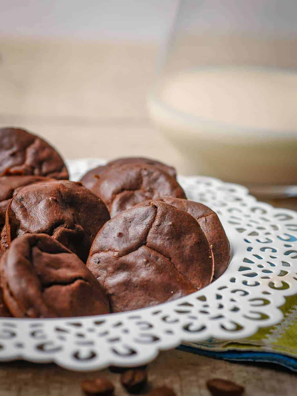 Crispy Chocolate Keto Cookies