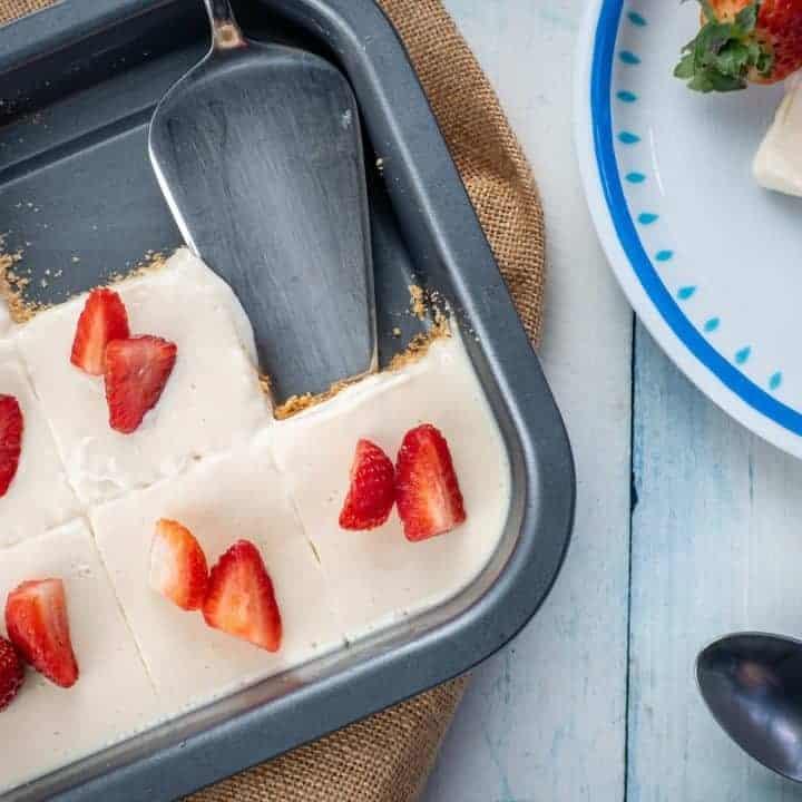 Keto No-Bake Strawberry Cream Pie