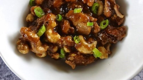 Delicious Keto Slow-Cooker Cashew Chicken