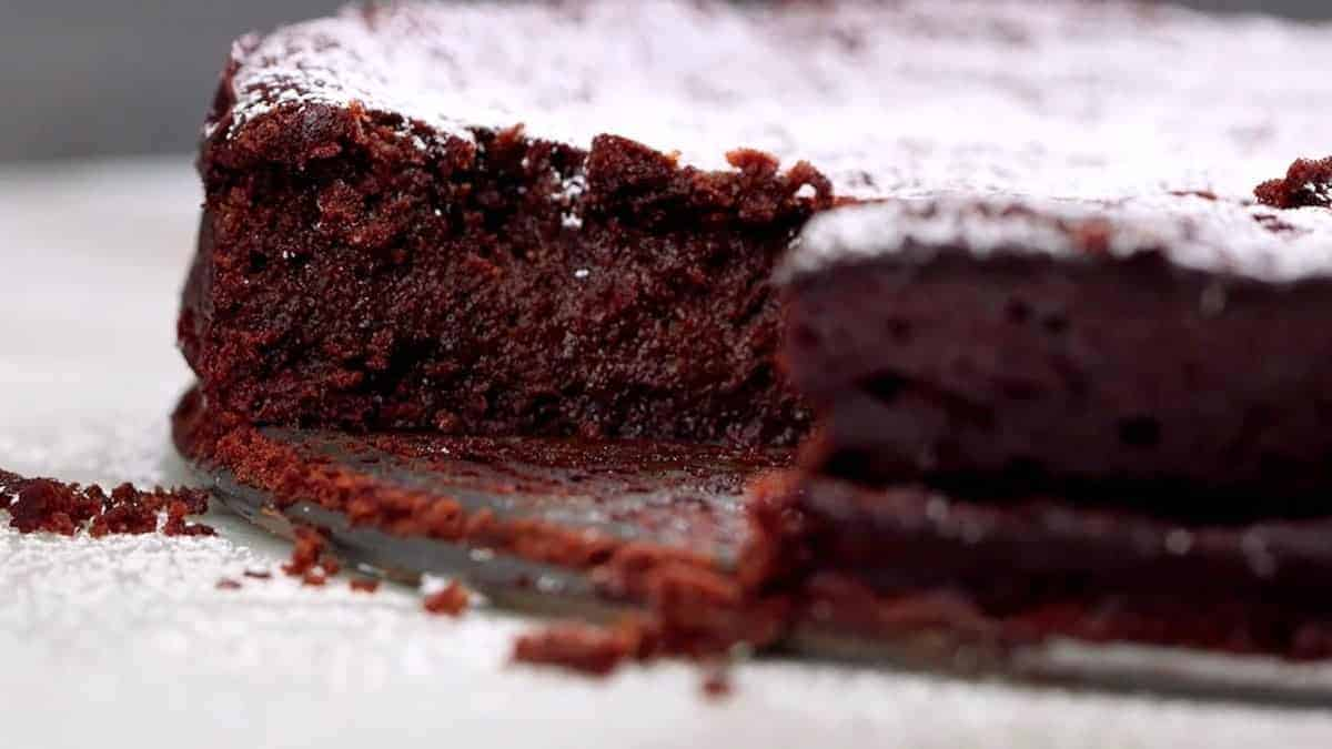 Keto Flourless Chocolate Cake