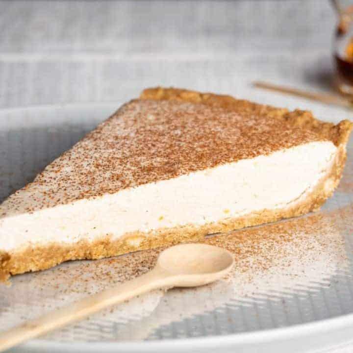 no bake pumpkin cream cheese pie with graham cracker crust