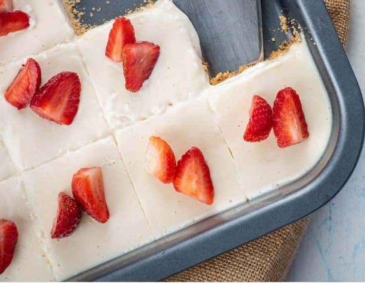 Keto No-Bake Strawberry Cream Pie